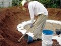 Как соорудить дешевый землебитный погреб